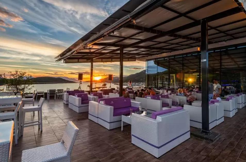Programme pour célibataires à Dalmatie - Neretva 3